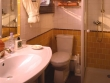 Napoleon - Ensuite Bathroom © Belmond Afloat in France