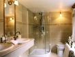 Ensuite Bathroom - Fleur de Lys © Belmond Afloat in France