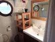 Caravelle bathroom Mirage © Trevor Jones