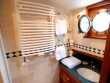 Guest cabin shower room © Randle