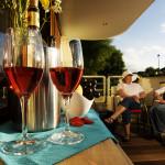 Wine on deck © Savoir Vivre