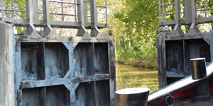Lock - Canal du Midi © Sonia Jones